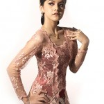 girl-using-kebaya