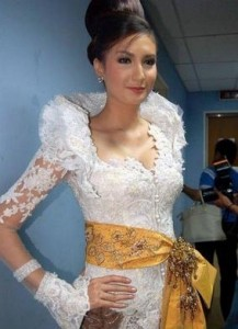 Model Kebaya Bali Modern