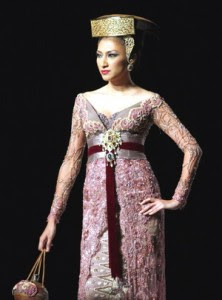 Tips memilih kebaya modern