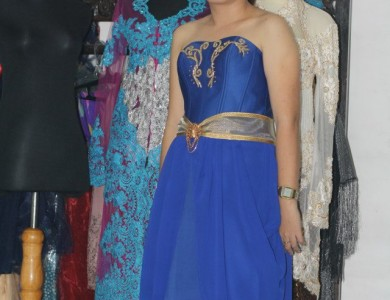Dress Biru Wanti di Rawa Lumbu